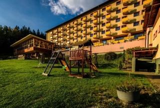 Hotel-Boboty-1-Exterier3