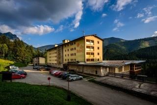 Hotel-Boboty-1-Exterier